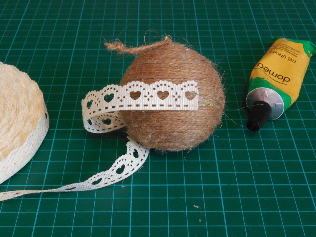 Tuto deco de noel customiser une boule de noel sur le for Commentaire faire une couleur beige 12 blog