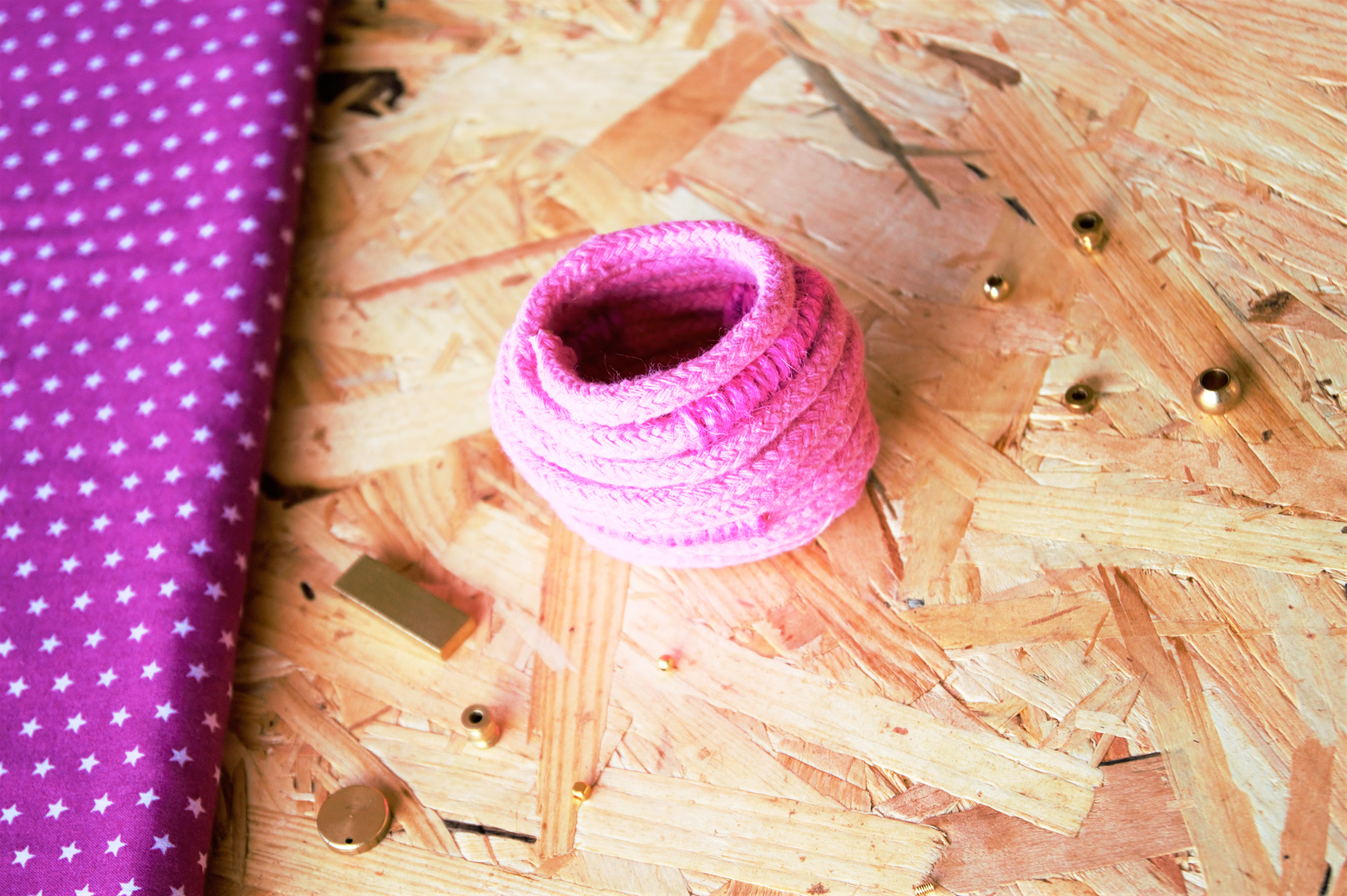 tuto panier rangement en corde sur le blog do it yourself Jeanne s'amuse