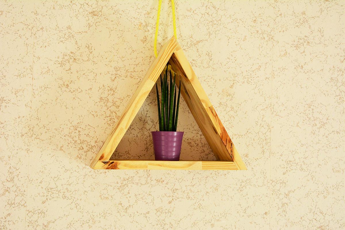 Jeanne s'amuse tuto étagère triangulaire en bois